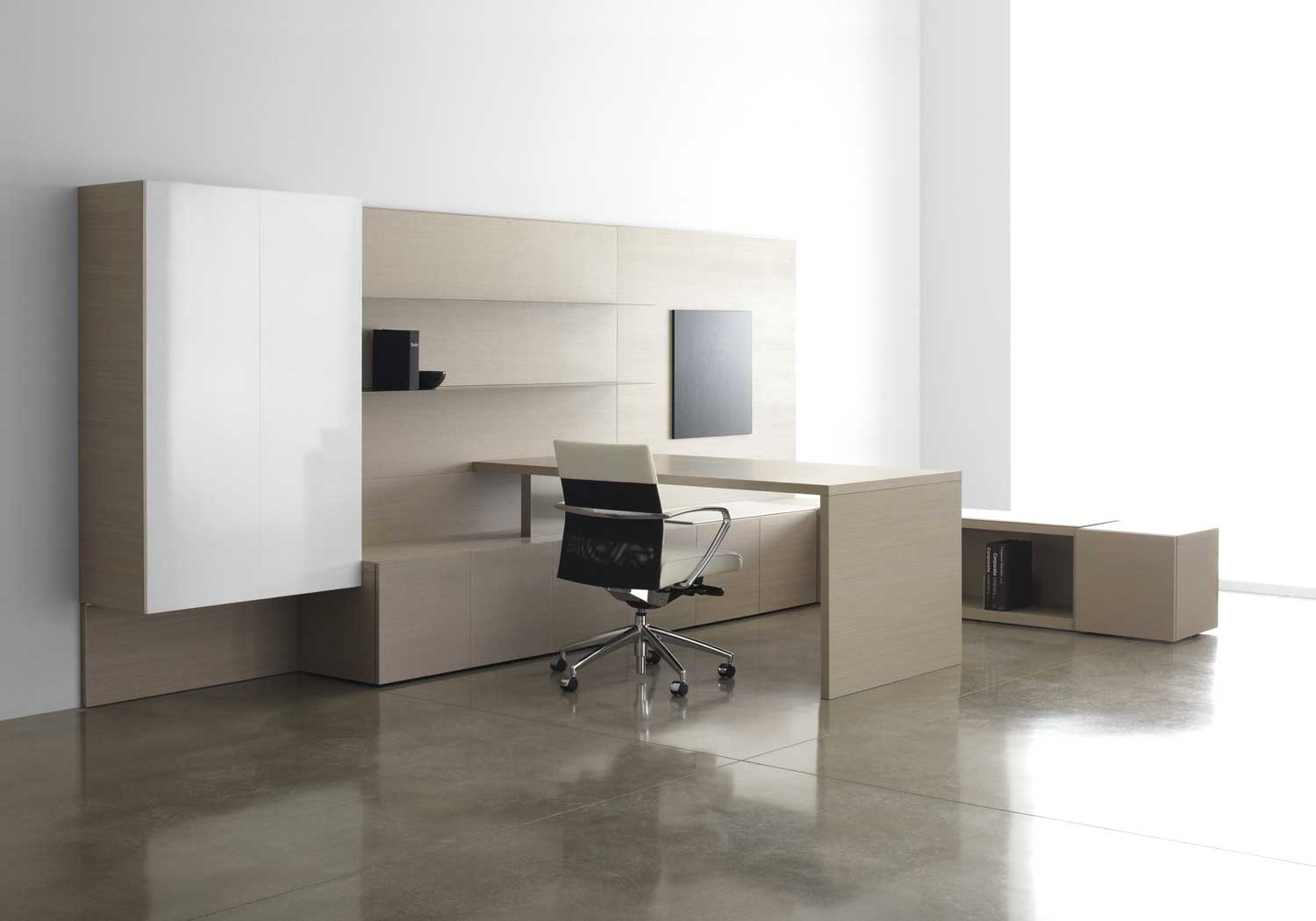 Modern Office Desk: Luxury Office Furniture: How And When To Incorporate It