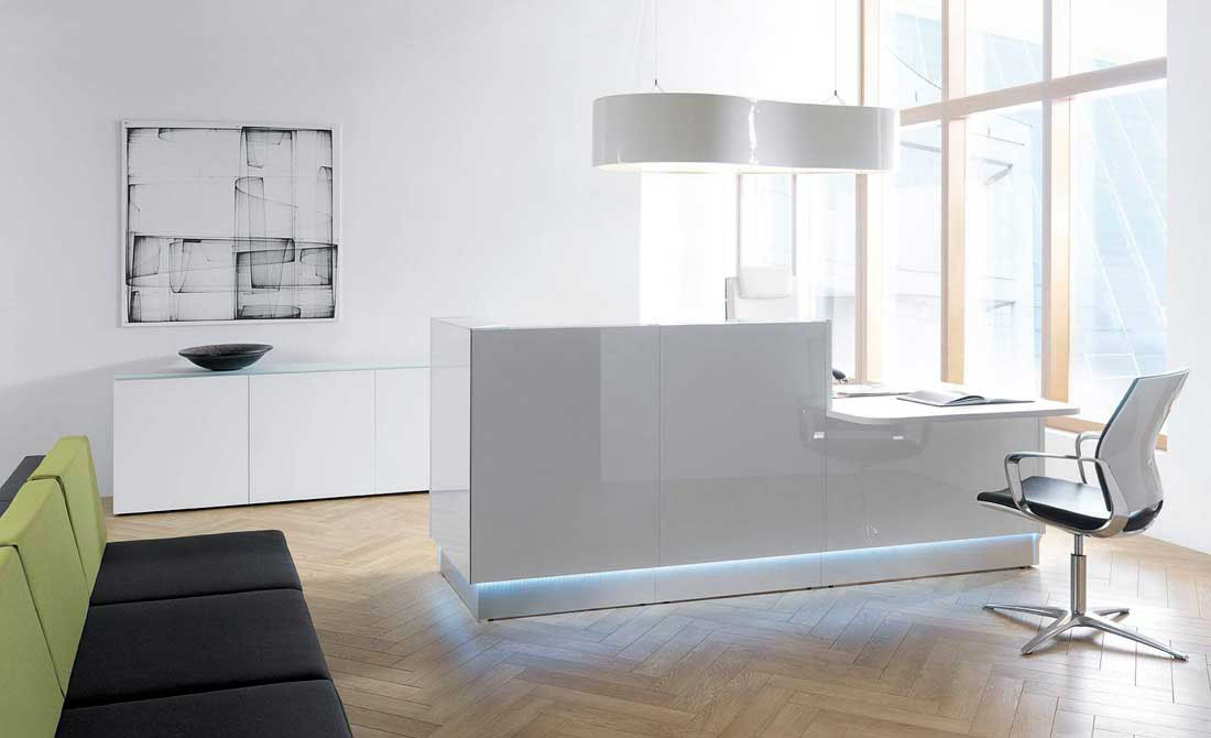 Image of: Welcome Your Guests In Style Modern Office Furniture