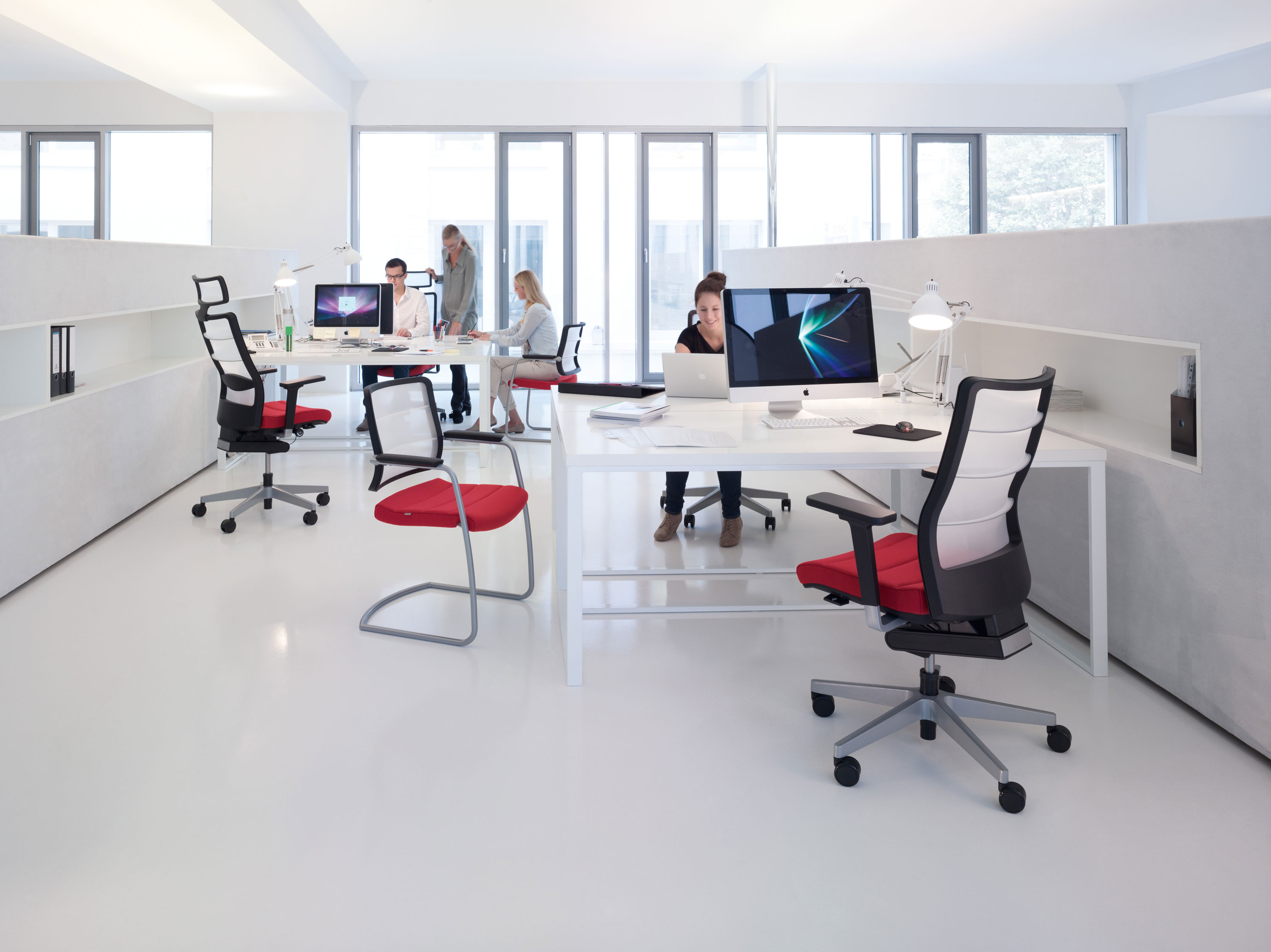 Office layout transitions going from traditional to for The modern office