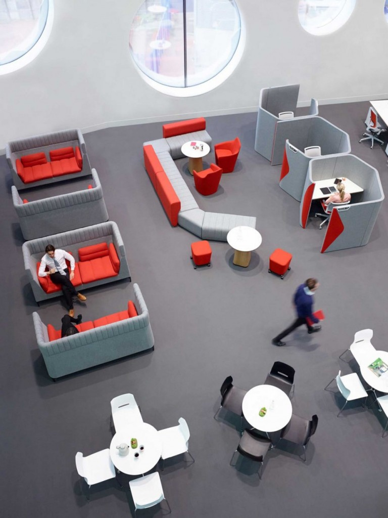 StrongProject can help modern companies design and outfit their offices with contemporary office furniture.
