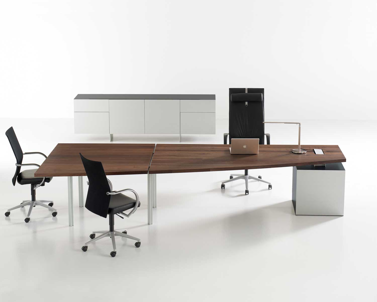 Adjustable Height Desks Aren T Just For Startup Geeks