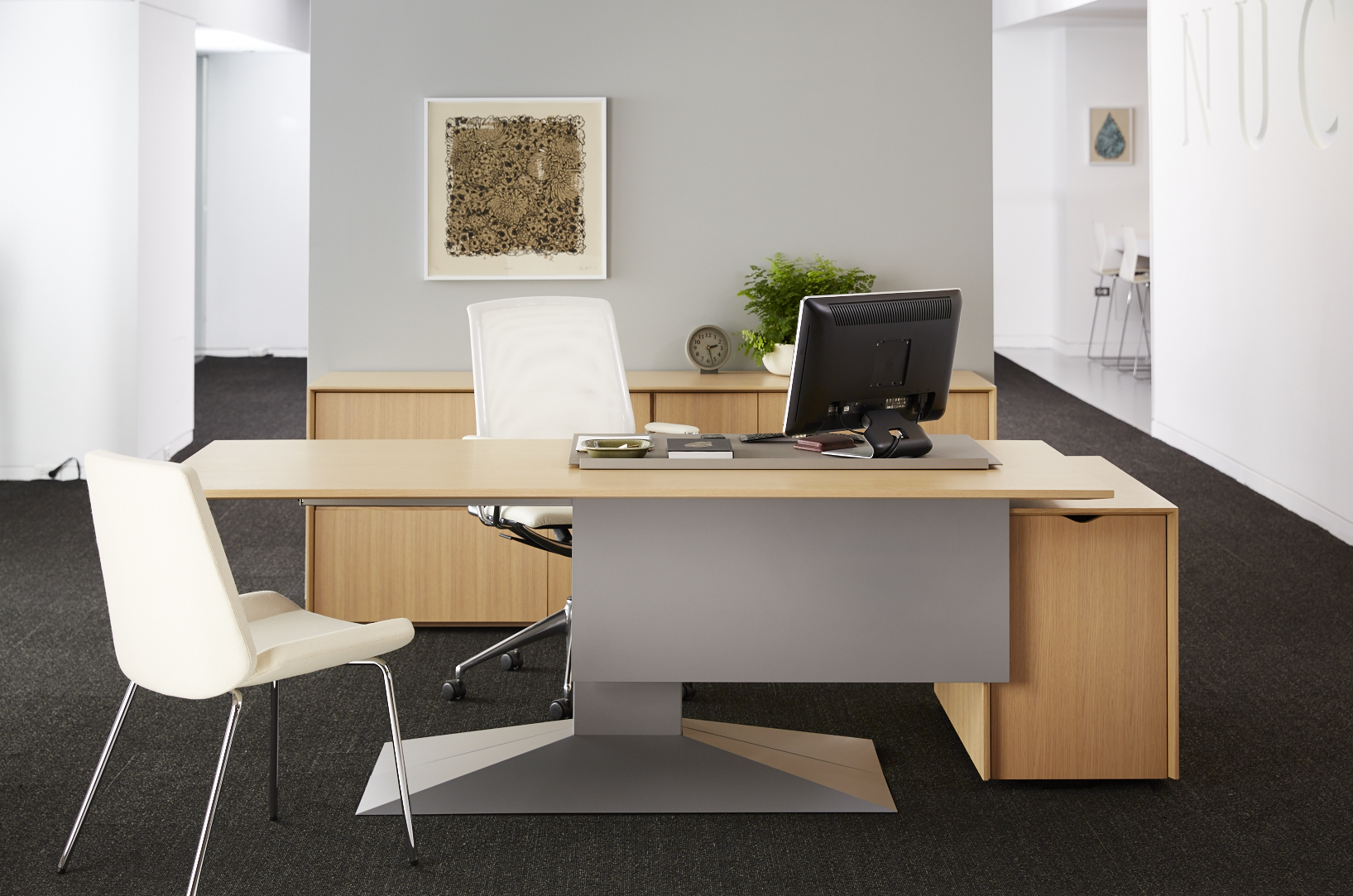 Do you prefer a wood desk? Here is what you need to know.